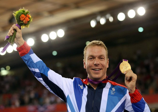 sir-chris-hoy-victorious.-cycling-print-poster-canvas.-sizes-a3-a2-a1-1002-p